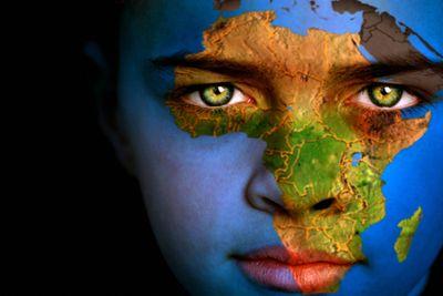 Almudi.org - No defendemos a África, sino al hombre