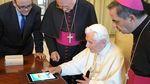 Un español convenció al Vaticano para que se lanzara a las redes sociales